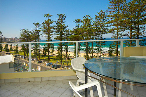 holiday accommodation manly beach australia